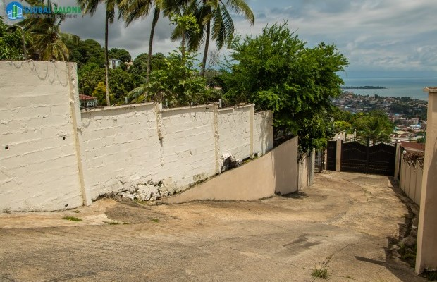 Photo #4 Land with Structure for sale in Sierra Leone, Spur Road