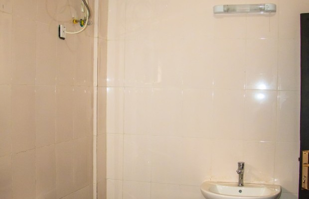 Photo #6 Multi-unit House for rent in Sierra Leone, Mambo