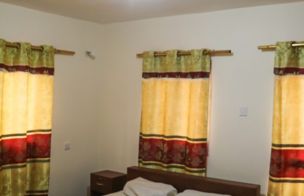 Photo #9 Multi-unit House for rent in Sierra Leone, 2a Up Barracks Road, Murry Town