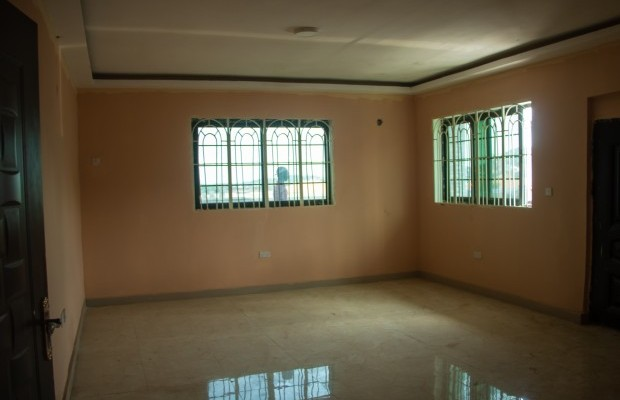 Photo #5 Multi-unit House for rent in Sierra Leone, Angola Town, 3 main motor Road, (New Jersey) Peninsular